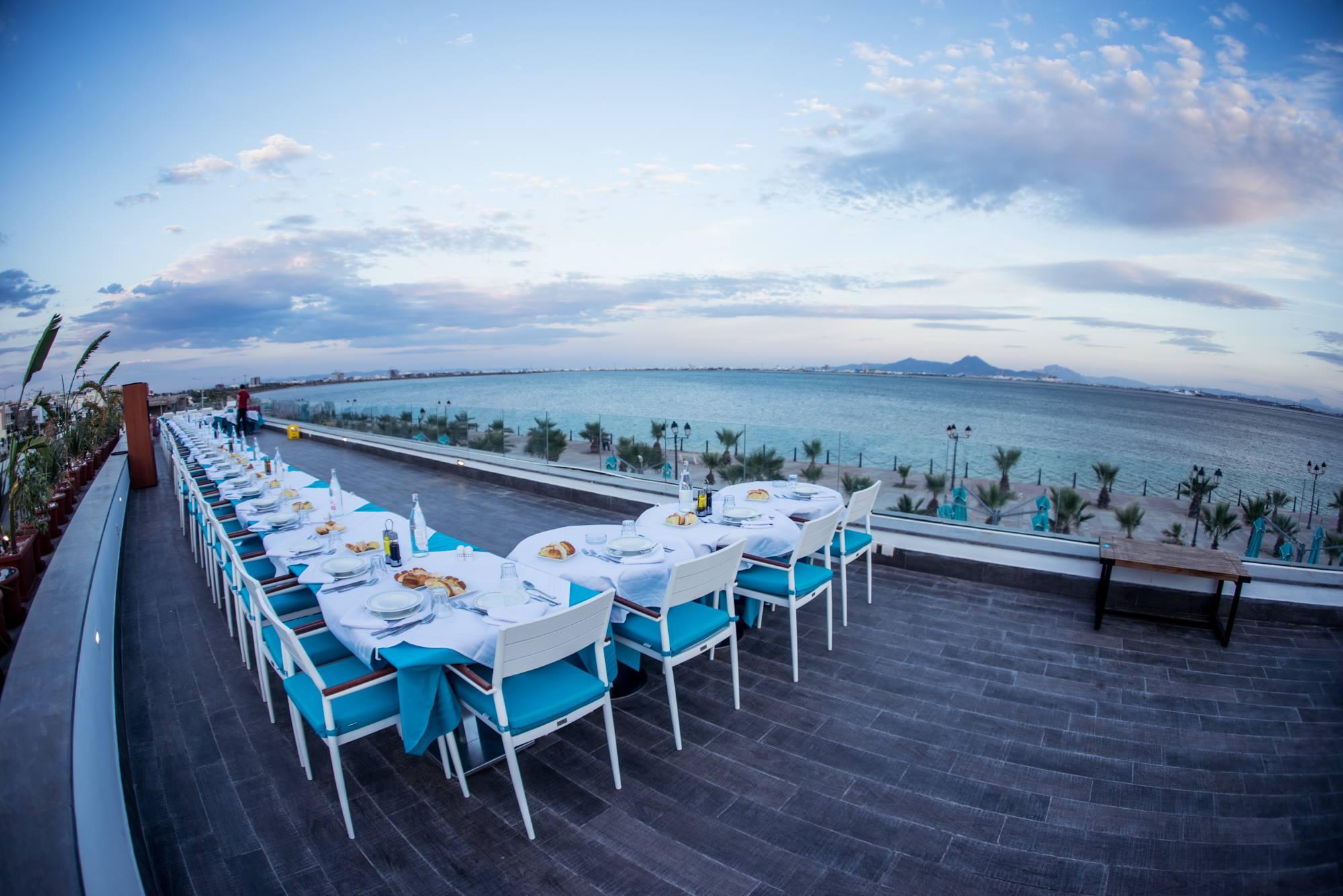 restaurant vue à la plage, meilleur vue , ambiance restaurant , menu restaurant